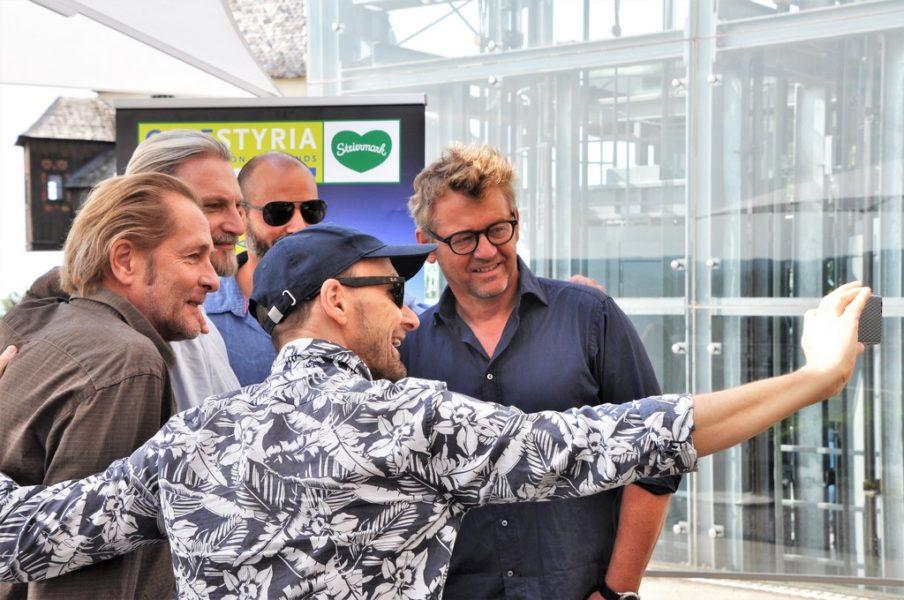"""SOKO Donau-Pressetermin mit SATEL-Chef Heinrich Ambrosch für die neue Folge """"Full House"""" in Graz (re). (Foto Reinhard Sudy)"""