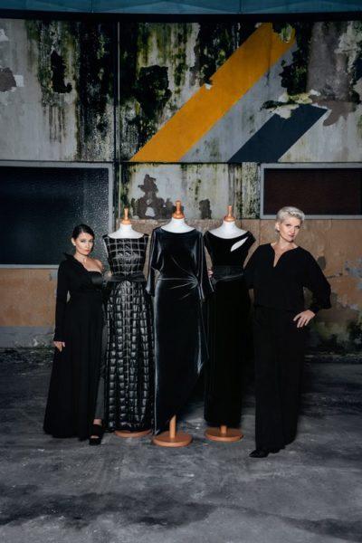 """Die komplette Kollektion """"Skulptur/Muse"""" des Designer-Duos Babsi Schneider und Elke Steffen-Kühnl ist ab sofort exklusiv bei Kastner & Öhler Graz erhältlich. (Foto Stella Kager)"""