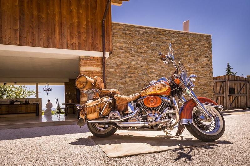 """Das jährliche Treffen bei der European Bike Week am Faaker See ist Pflicht für Barbara und Andreas Reinisch, """"denn dort haben wir uns kennengelernt"""". (Foto Golden Hill Country Chalets & Suites)"""