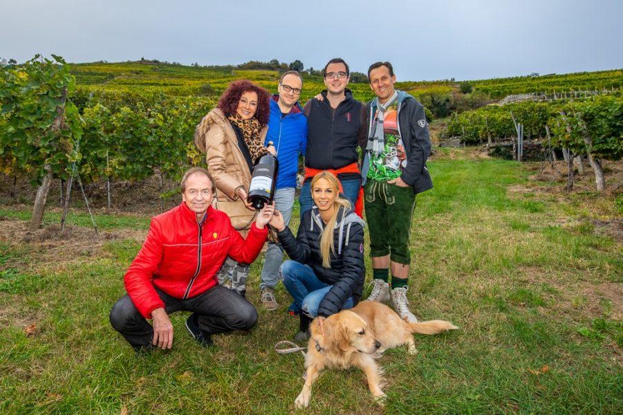 Wachauer Künstlerwanderung: Heribert Kasper, Christina Lugner, Jürgen Vogl, Yvonne Rueff, Ewald Stierschneider und Martin Oberhauser. (Foto Moni Fellner)