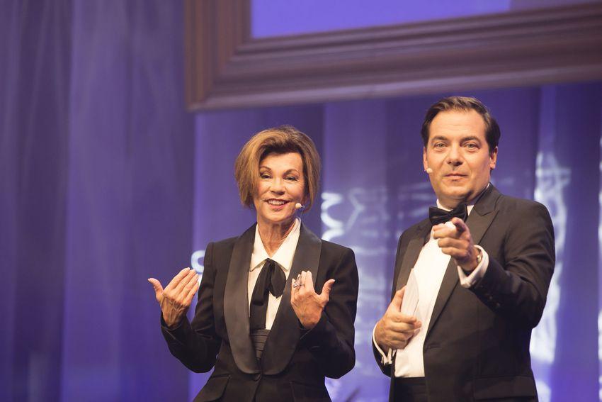 Die Gala eröffneten Bundeskanzlerin Brigitte Bierlein und Presse-Chefredakteur und -Herausgeber Rainer Nowak. (Foto Presse)