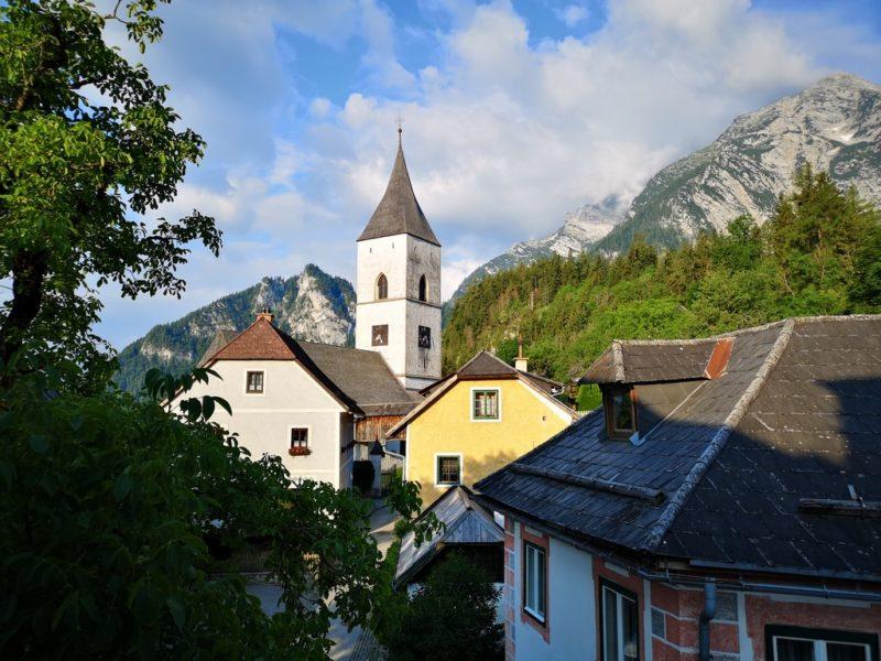 Aussicht auf den wunderbaren kleinen Ort Pürgg von einem der Zimmer des Gästehauses Krenn. (Foto Hedi Grager)