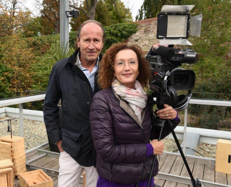 """""""Dennstein & Schwarz"""" - Produzent Wolfgang Rest und Drehbuch-Autorin Konstanze Breitebner (Foto ORF/Hubert Mican)"""