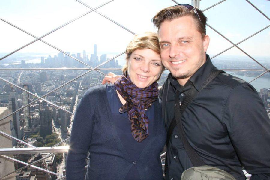 Alexandra und Markus Lientscher während eines New York-Besuches. Ihre Ruhe-Oase haben sie sich allerdings zu Hause geschaffen. (Foto privat)