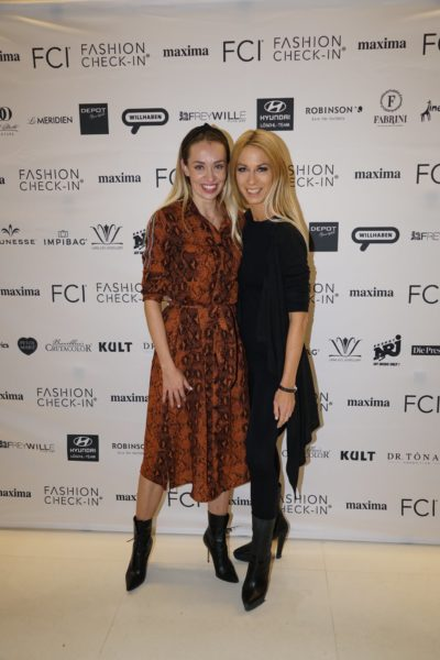 Yvonne Rueff mit Liliana Klein beim FCI Fashion Check-In. (Foto privat)