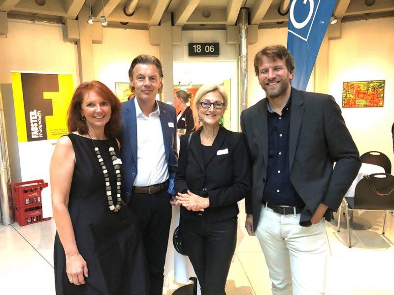 Gabi und Paul Slamanig mit Andrea Keimel, Abteilung für Wirtschafts- und Tourismusentwicklung der Stadt Graz, und Wolfgang Schaller, Landesstudio Steiermark, im ORF Steiermark (Foto Fischer)