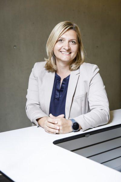Irmgard Bergmann ist als Head of ResearchandDevelopment BU Energy bei der Isovolta Grouptätig, einem international führenden Herstellervon Elektroisoliermaterialien. (Foto Thomas Luef)