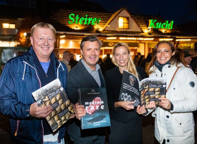 Seit 10 Jahren ist Christina Dow für das Schlossberg-Magazin verantwortlich. Im Bild mit Franz Grossauer, Christof Widakovich und der neuen Landesrätin Juliane Bogner-Strauß. (Foto Werner Krug)