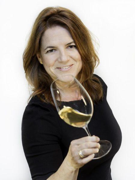 Sabine Flieser Just ist Genusscoach, Diplom-Sommelière und seit 2006 Obfrau des Sommeliervereins. (Foto Lucija Novak)