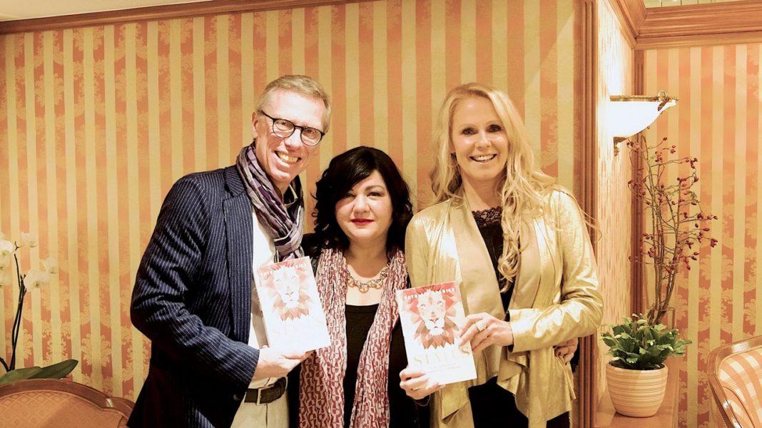 Langjährige Wegbegleiter von Profilerin Patricia Staniek: Peter Stöger und Ulrike Kriegler (Foto Dominik Mayer)