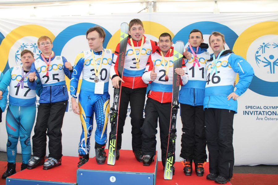 Special Olympics Österreich 2020: Die Steirer Elias Natter und Daniel Brandner (Startnummer 3 und 2) zeigten in den Skibewerben großartige Leistungen. (Foto GEPA pictures/Special Olympics)
