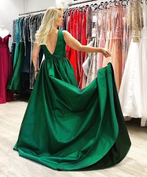 Im Sinne der Nachhaltigkeit borgt sich Uschi Fellner für eine Gala auch mal ein Kleid aus. (Foto privat)