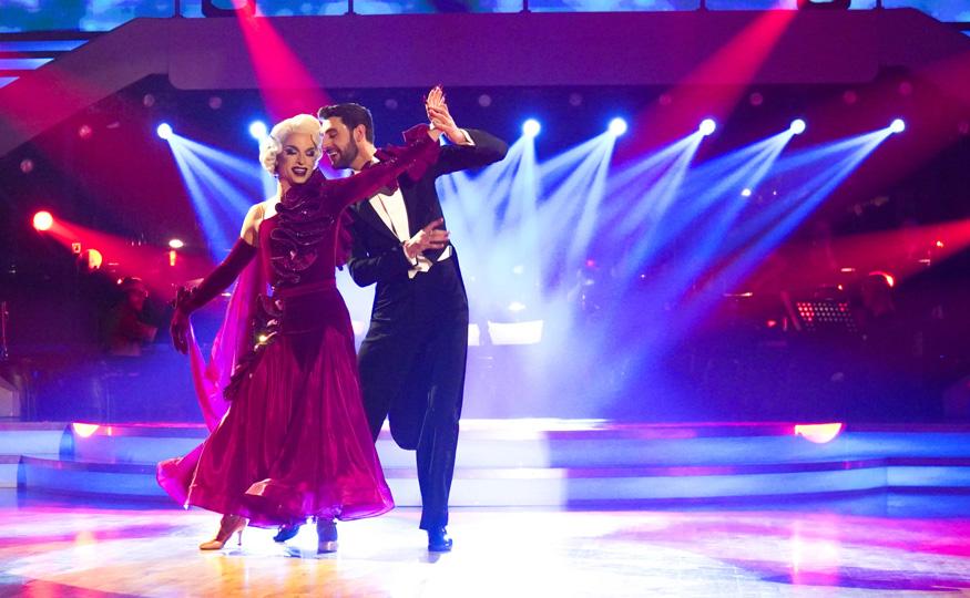 Auch von Dragqueen Tamara Mascara & Dimitar Stefanin zeigte sich die Jury begeistert. (Foto ORF)
