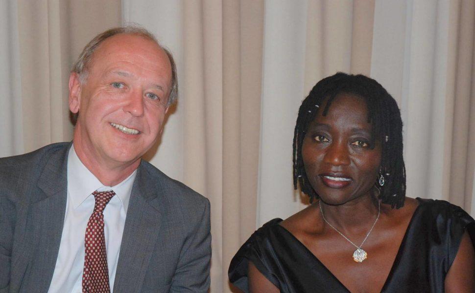 Georg Brandner, MAMA AFRIKA, mit Auma Obama, der Halbschwester von US-Präsident Barack Obama. (Foto MAMA AFRIKA)