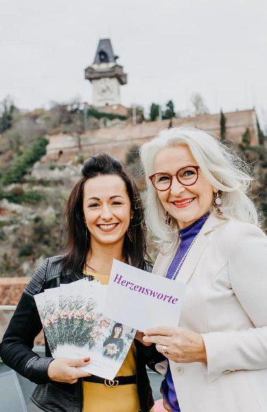 Nadine Halbrainer, Event- & Wedding Planner Firma Unique Events, und Gabriele Koch, Herzensworte. (Foto Claudia Plattner - Träumerherz-Fotografie)