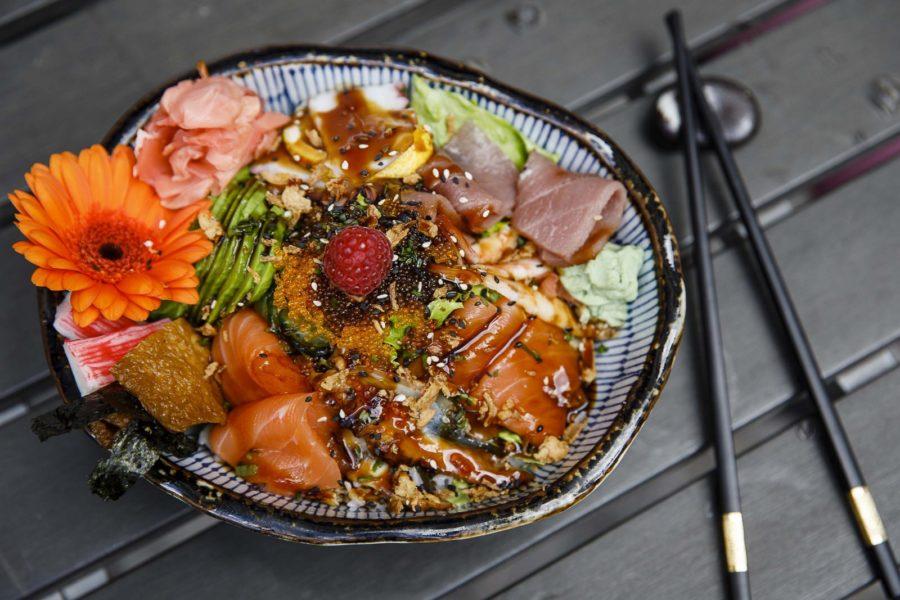 In der Cafe-Bar Glockenspiel werden auch köstliche Poke Bowls serviert. (Foto Thomas Luef/LUEFLIGHT)