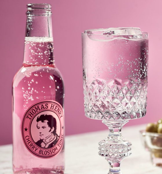 Cherry Blossom Tonic ist ideal für den Longdrink SIBERIAN BLOOMY CUP. (Foto Thomas Henry)