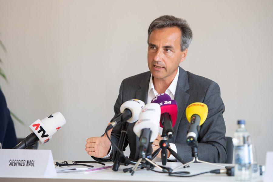 Bürgermeister Siegfried Nagl ist über die Zahlen im Juli erfreut. Sie zeigen, dass die Grazer Innenstadt beinahe 80 % Besucherfrequenz erreichte und sich auch die Hotel- und Gastronomiebuchungen nach dem Totalausfall wieder langsam mit einem Minus von 35 % erholen. (Foto BMLRT / Paul Gruber)