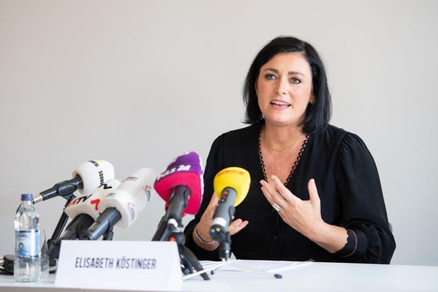 """Elisabeth Köstinger, Bundesministerin für Landwirtschaft, Regionen und Tourismus, sprach auch den Wunsch nach Ausweitung des Testprogramms an. """"Ab 1. September werden wir die Aktion Sichere Gastfreundschaft auch auf die Gastronomie ausweiten."""" (Foto BMLRT / Paul Gruber)"""