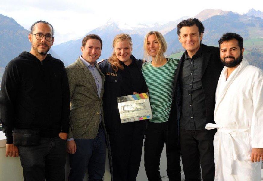 "Salzburger Landkrimi ""Drachenjungfrau"": Produzent Jakob Pochlatko, Stefanie Reinsperger, Regisseurin Catalina Molina, Manuel Rubey. (Foto epo-film)"