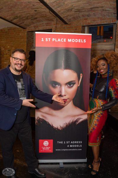 Fashionshow mit Designerin Barbara Alli at Studio G. in Wien, Models by 1 st Place Models. Im Bild Designerin Barbara Alli mit Modelmanager Dominik Wachta. (Foto by Albert Stern)