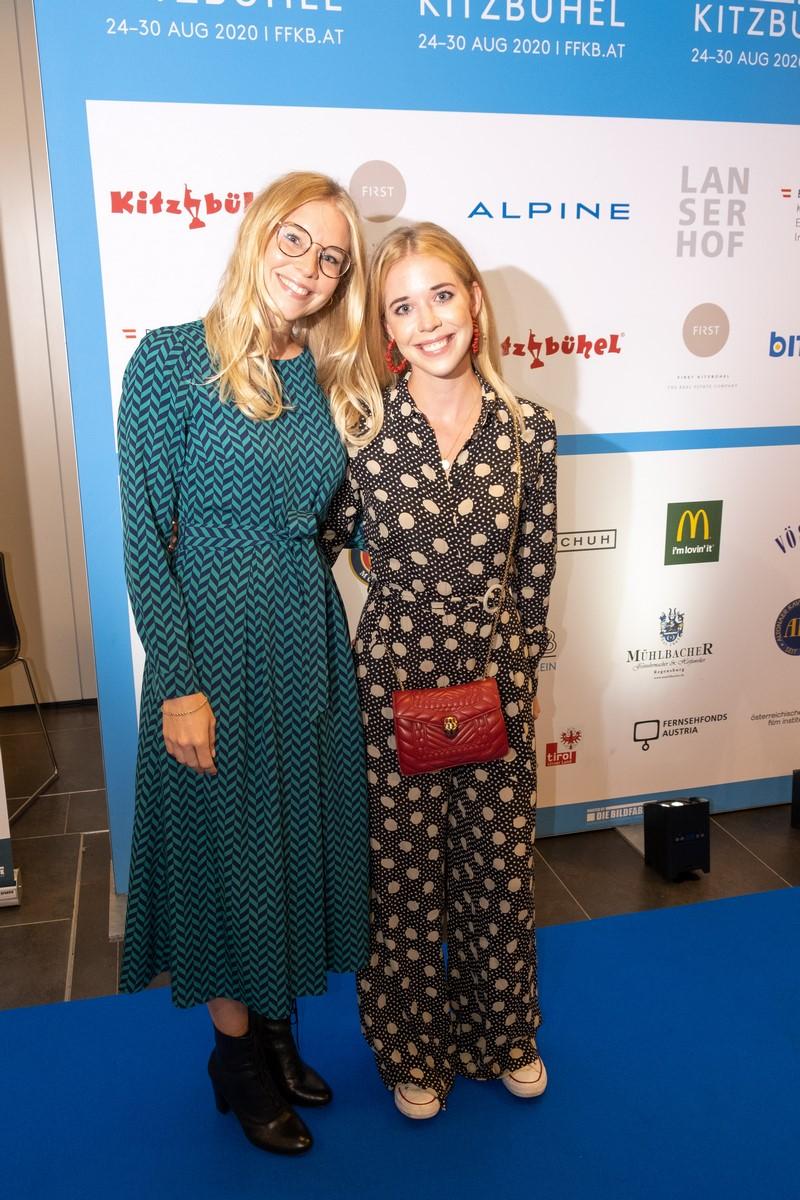 Der Preis für den Besten Spielfilm wurde 2020 in Joseph Vilsmaier-Preis umbenannt und in diesem Jahr auch von dessen Töchtern Josephina und JaninaVilsmaier überreicht. (Foto FILMFESTIVAL KITZBÜHEL)