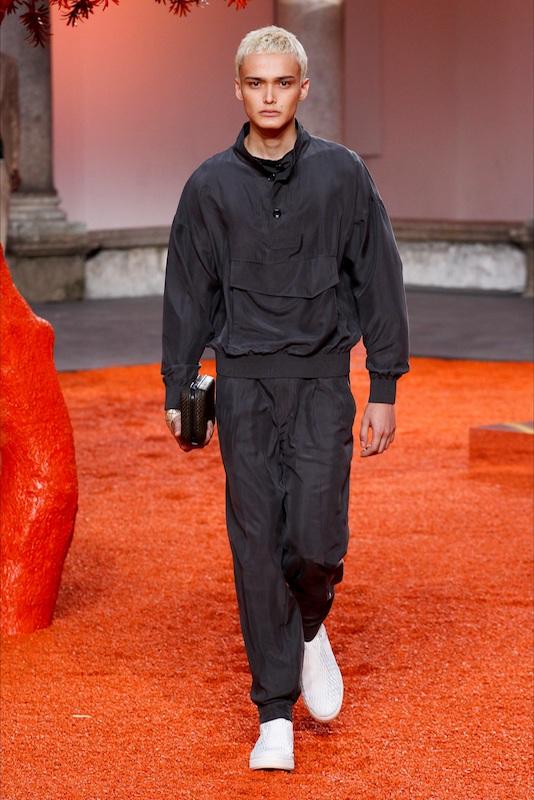 Model Mika Jenewein lief schon erfolgreich für Zegna. (ADDICTED TO MODELS)