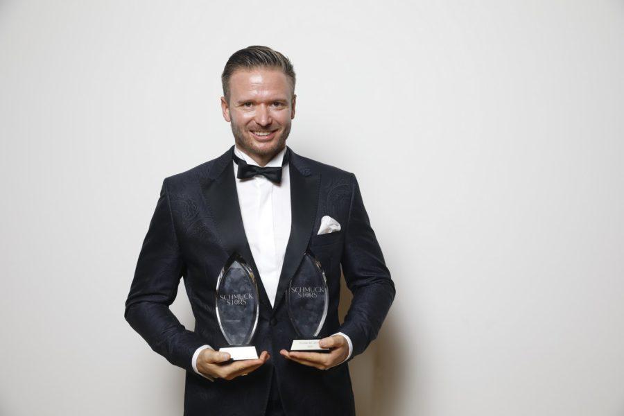 """Schmuckstars Awards 2020: """"Kategorie Rookie of the Year"""" - Preisträger Jürgen Rindler und Elisabeth Habig; Publikumsstar wurde Jürgen Rindler, Juwelier Rindler. (Foto Stefan Joham)"""
