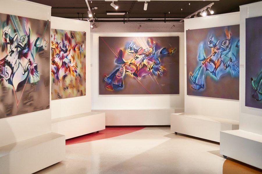 """""""RoboLove"""" - das erste aus einer Serie von fünf Bildern - ist das weltweit erste Gemälde aus Mensch-Maschinen-Symbiose.  (Foto Martin Schönbauer)"""