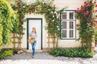 """""""MEINE BESTEN HAUSMITTEL aus Küche und Garten"""" heißt das erste Buch von Dr.med. Christine Reiler. (Foto Harald Eisenberger)"""