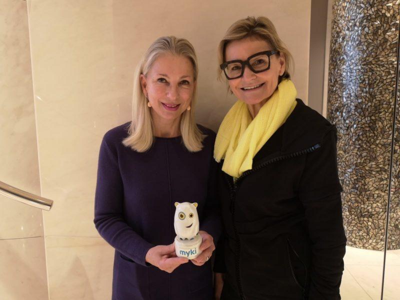 Als ich heuer Martina Fasslabend in Wien traf, hatte der Corona-Virus die Bundeshauptstadt noch nicht erreicht. Im Bild Dr. Martina Fasslabend (li) und Hedi Grager. (Foto Reinhard Sudy)