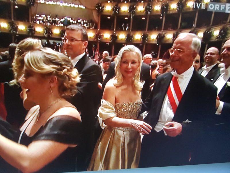 Dr. Martina Fasslabend besucht mit ihrem Mann, dem Ex-Minister Werner Fasslabend, den Wiener Opernball 2020. (Foto privat)