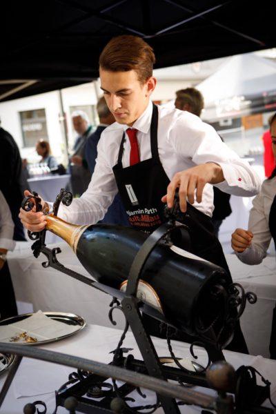 Bereits im Alter von 22 Jahren war Christopher Pohn Chef de Rang und Sommelier in Benjamin Parth's Gourmet Restaurant Stüva in Ischgl. (Foto privat)