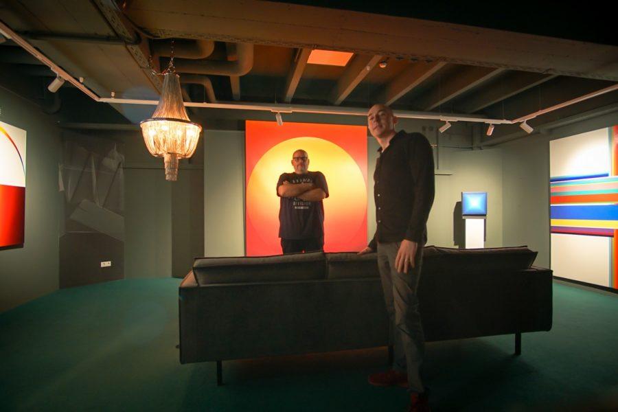 """Klaus Billinger und Tom Lohner haben dasselbe Ziel. """"Unser Ziel ist die ganze Welt. Ich will mit meiner Kunst und mit den Bildern unserer Galerie einen positiven, kreativen, bunten Fingerabdruck auf der Welt hinterlassen"""", so Tom Lohner. (Foto Bakerhouse Gallery)"""
