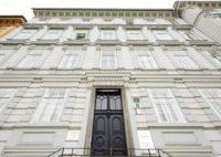 Bankhaus Spängler in 8010 Graz, Burgring 12. Das Bankhaus Spängler ist eine unabhängige Privatbank mit dem Stammhaus in Salzburg und siebenweiteren Standorten. Gegründet wurde die älteste Privatbank Österreichs im Jahr 1828 und befindet sich nach wie vor in Familieneigentum. Mittlerweile ist bereits die siebte Generation der FamilieSpängler in der Bank tätig. (Foto Bankhaus Spängler)