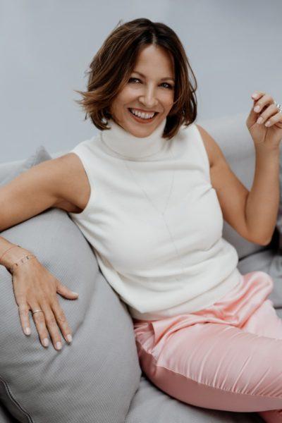 Seit 2020 ist Beatrice Cox-Riesenfelder im Vorstand der globalen International Advertising Association mit Sitz in New York City, zuerst als General Secretary Global und nun als Area Director Europe. Jetzt wechselte sie in die Geschäftsführung von GW Cosmetics . (Foto Sarah Katharina)