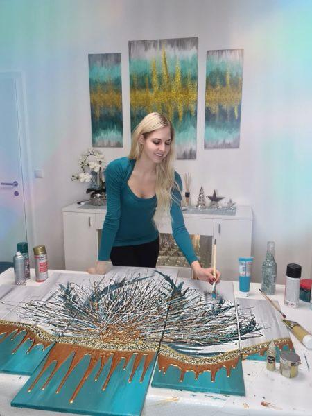 Für Beatrice Körmer ist das Malen ein schönes Hobby. Mit ihren Bildern unterstützt sie auch sehr gerne Charity-Projekte. (Foto privat)