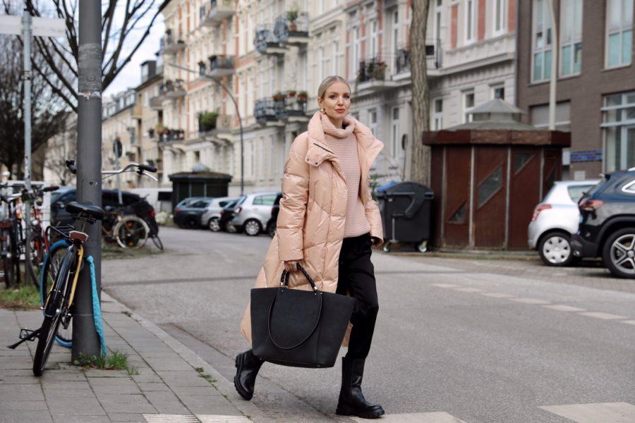 Viele namhafte Influencer kamen mit auf die virtuelle Reise und nahmen weltweit in der ersten Reihe Platz. So streamte Leonie Hanne aus ihrer Heimatstadt Hamburg. (Foto Marc Cain)