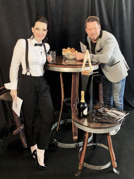 Videoproduktion statt Live on Stage: Die Moderatoren Alexandra Gorsche und Mike Suesser (TV-Star). (Foto Falstaff Profi)