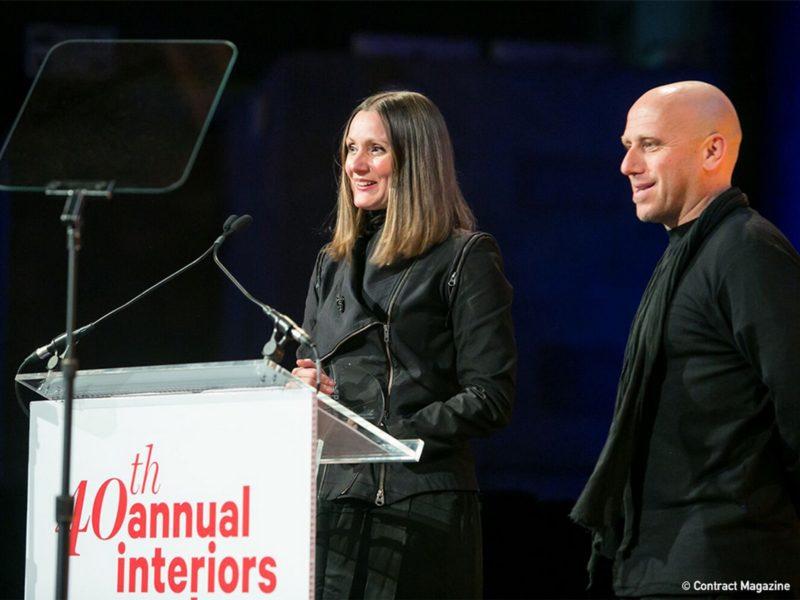 Anastasija und Martin Lesjak bei der Preisverleihung der 40th Annual Interiors Awards des Contract Magazine im Cipriani in New York. (Foto Contract Magazine)