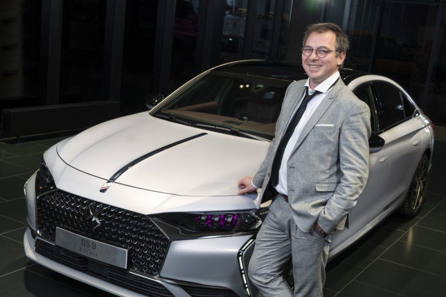 Bereits mit 21 Jahren erkochte sich der heute vierzigjährige Max Stiegl seinen ersten Michelin-Stern. Als DS Markenbotschafter hier mit dem DS 9 E-Tense. (Foto DS Automobiles/FOTObyHOFER/Christian Hofer)