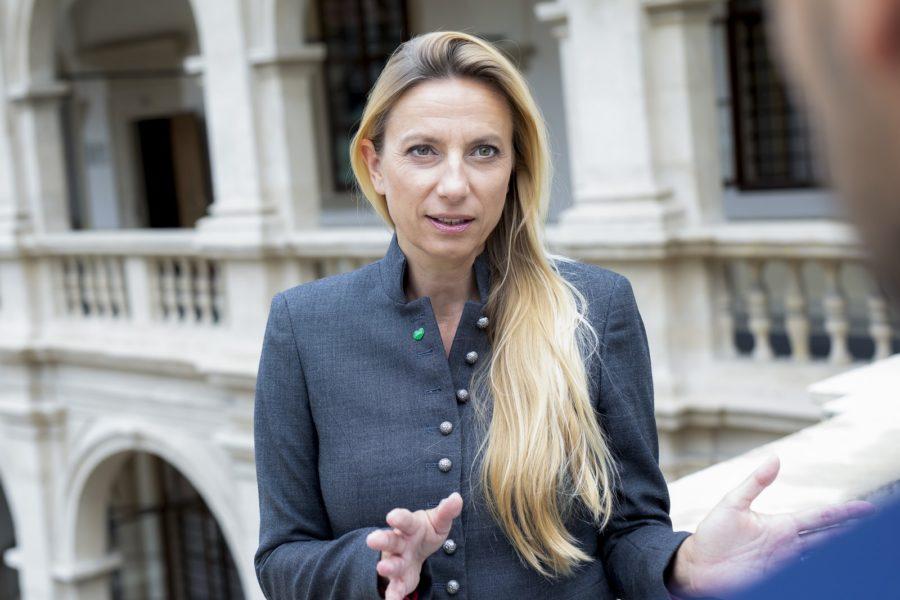 Es ist bekannt, dass der Landesrätin für Bildung, Gesellschaft, Gesundheit und Pflege, Dr.in Juliane Bogner-Strauß, die Unterstützung von Frauen sehr am Herzen liegt. (Foto Marija Kanizaj)
