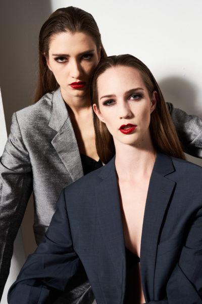 """1st Place Models Sarah Leidl und ihre Modelkollegin Sarah Kühschweiger. """"Wir sind hier eine echte Model-Familie und die Models hier sind wirklich ausgewählte Persönlichkeiten"""", so Leidl. (Foto RobertPichler.com)"""