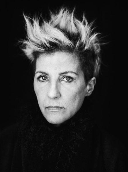 Beim Shooting ihrer Kollektion arbeitete Designerin Susa Kreuzberger eng mit der Fotografin Mira Loew zusammen. In Kombination mit der Tänzerin Cat Jimenez als Model gelingt eine perfekte Zusammenarbeit. (Foto Flora P.)