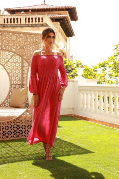 Carmen Knor shootete auf Mallorca im Hotel Nixe Palace in Outfits von Philipp Maly. (Foto Tito Bosch)