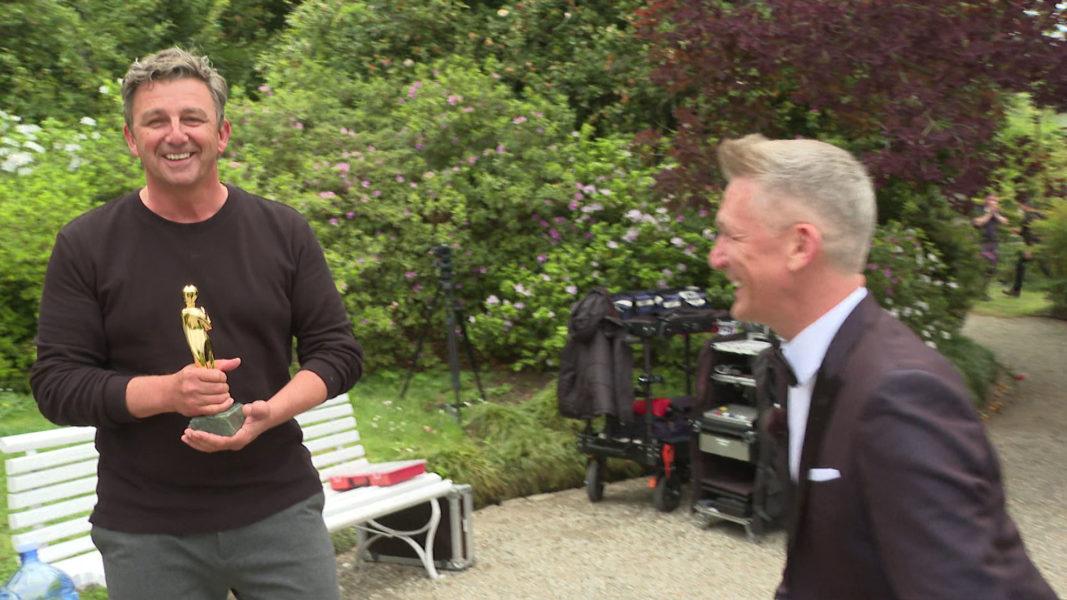"""""""ROMY 2021 - Der Österreichische Film- und Fernsehpreis"""": Schauspieler Hans Sigl bekam die ROMY als """"Beliebtester Schauspieler Serie/Reihe"""". (Foto: ORF)"""