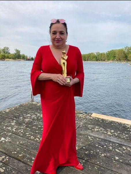 """""""ROMY 2021 - Der Österreichische Film- und Fernsehpreis"""": Maria Happel wurde als Beliebteste Schauspielerin Serie/Reihe ausgezeichnet. (Foto: ORF/Kurier/privat)"""