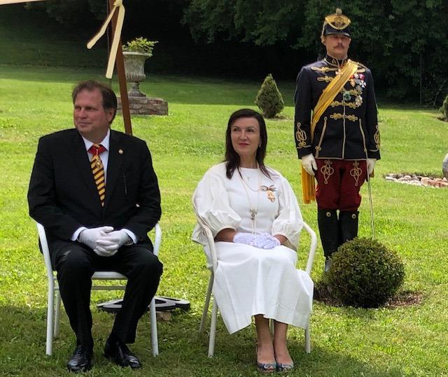 Sandor Habsburg-Lothringen mit seiner Gattin Herta Margarete, die sich sehr für Geschichte interessiert. (Foto HM Habsburg-Lothringen)