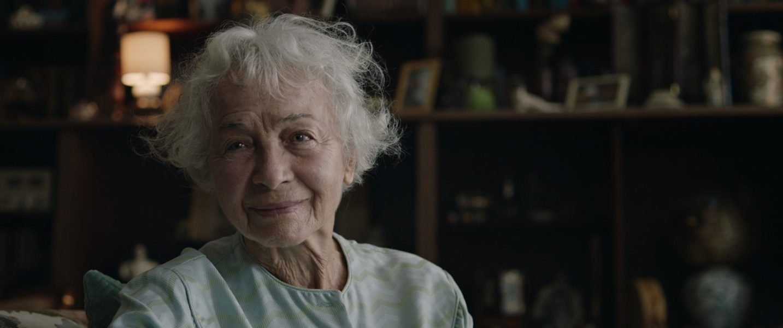 """Christine Ostermayer, hier in """"Ein bisschen bleiben wir noch"""", erhielt den Großen Diagonale-Schauspielpreis. (Foto Wegafilm)"""