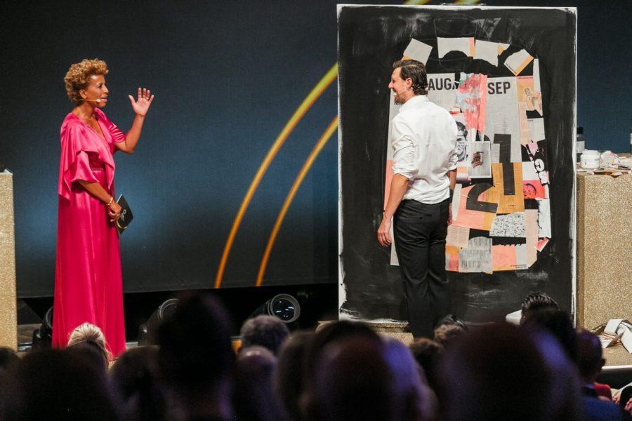 DUFTSTARS Gala 2021: Moderatorin Arabella Kiesbauer & Künstler Sasha Knezevic. (Foto Philipp Lipiarski)